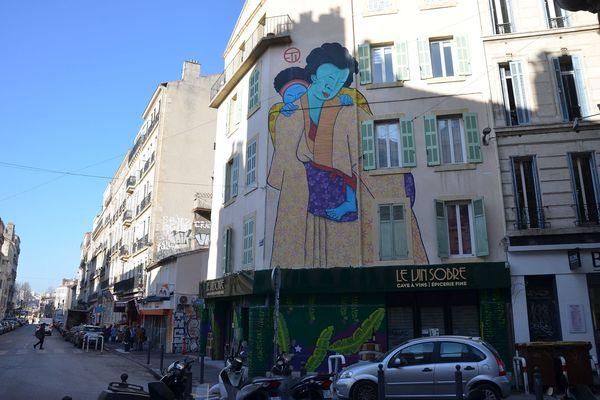 Fresque au début de la rue des Trois Rois
