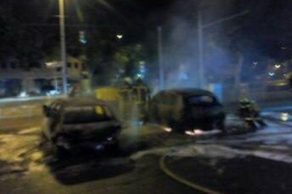 Les auteurs du braquage ont incendié le véhicule utilisé pour enfoncer le rideau métallique du tabac presse de Fontaine