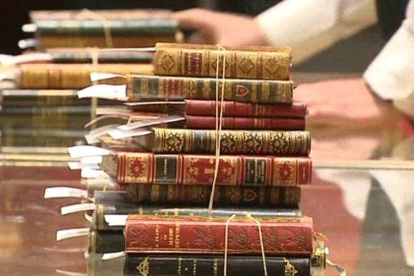 Certaines collections de Régine Deforges vendues à Drouot pour la somme de 220 000 euros.