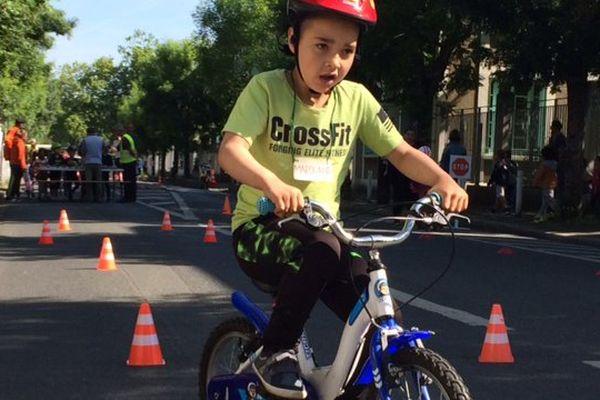 Opération sécurité routière pour les enfants d'une école du quartier St-Maurice à La Rochelle.