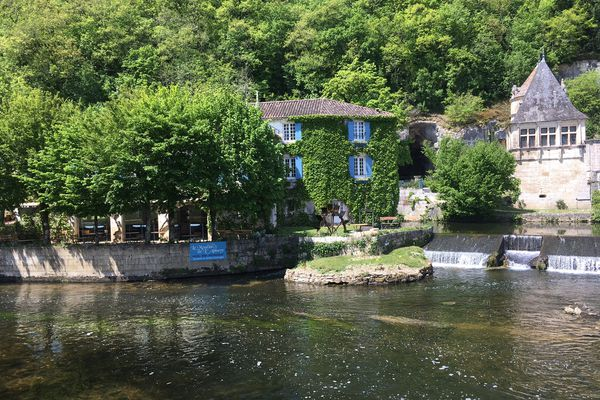 Brantôme, perle du Périgord, s'apprête à recevoir un flot de touristes cet été, qui viendront en grande partie de l'hexagone, et même des environs assez proches