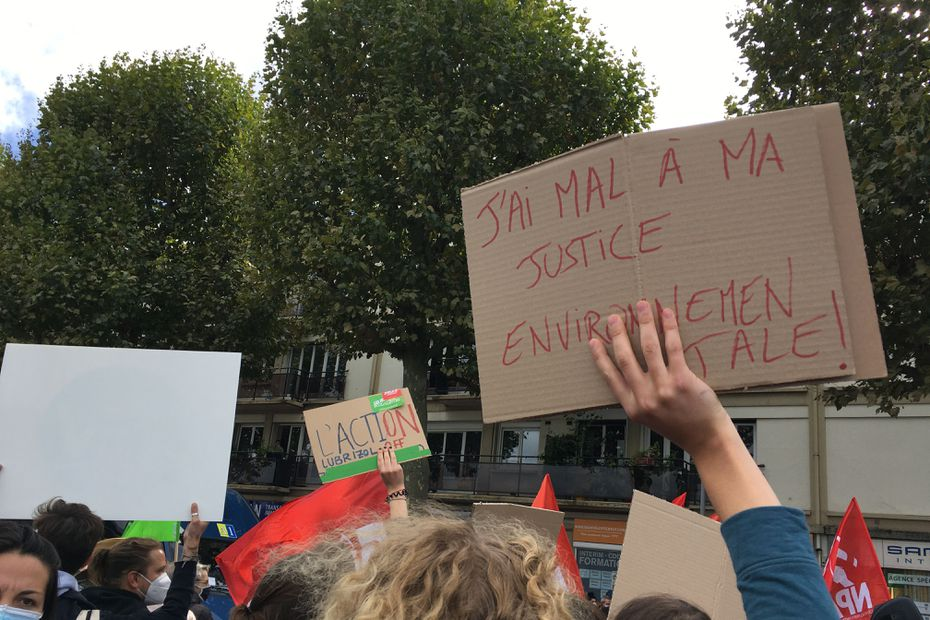 Lubrizol : 1 000 personnes du collectif unitaire mobilisées à Rouen, ce samedi - France 3 Régions