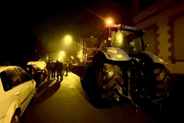 """Réveil """"techno disco"""" pour le préfet de la Vendée à l'initiative des jeunes agriculteurs qui ne constatent pas dans les faits les engagements des États Généraux de l'Alimentation"""