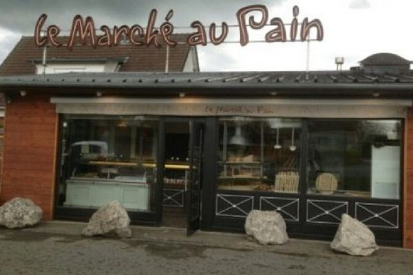 Le 7 juin dernier, cette boulangerie de Poulainville dans la Somme était braquée par des individus armés