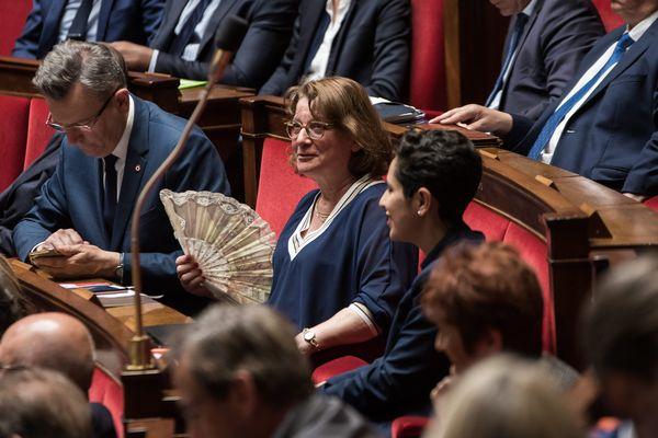 Au Centre, avec l'éventail, Nadia Essayan, députée du Cher