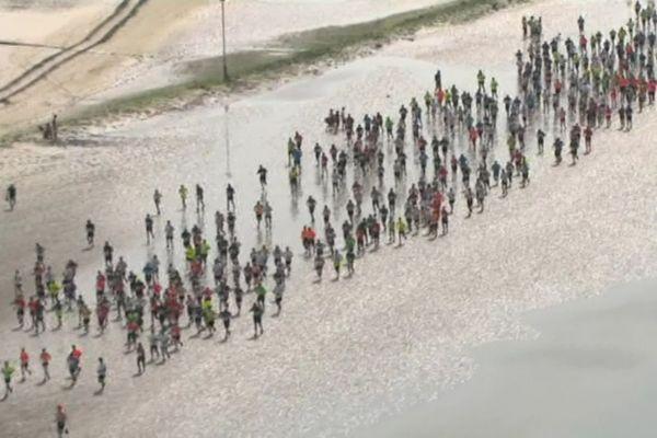 L'édition 2021 de la Transbaie est annulée à cause de la crise sanitaire. Chaque année à l'approche de l'été, 6500 coureurs, 200 bénévoles et 30.000 spectateurs se retrouvent en baie de Somme pour cette course mythique.