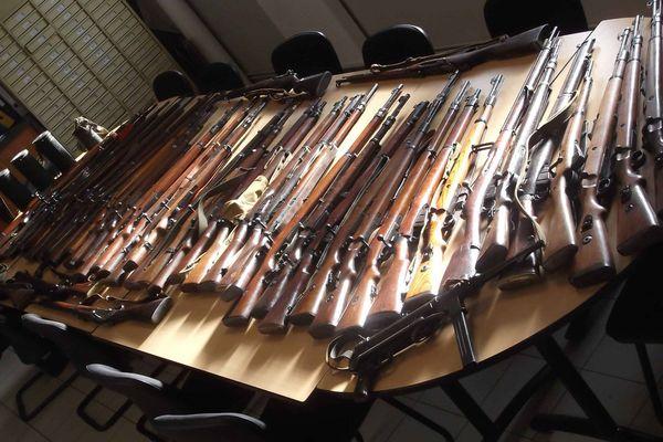 Quelques-unes des armes retrouvées.