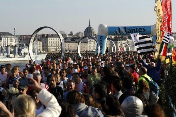 Plus de 3200 coureurs dans les rues de Nantes lors de l'édition 2012