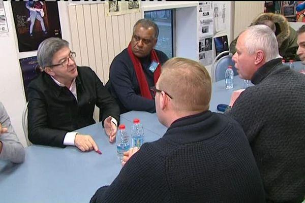 En visite à Florange, Jean-Luc Mélenchon avec les syndicalistes d'ArcelorMittal, jeudi 19 janvier 2017