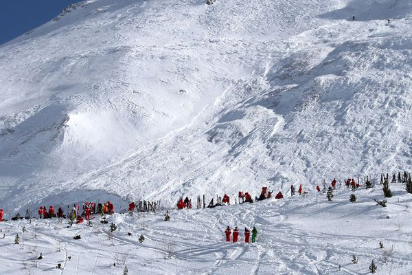 Les secours sur les lieux de l'avalanche à Tignes
