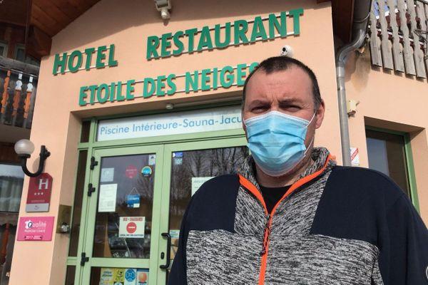 Fabien Roussolet gère l'hôtel restaurant l'Etoile des neiges de Métabief