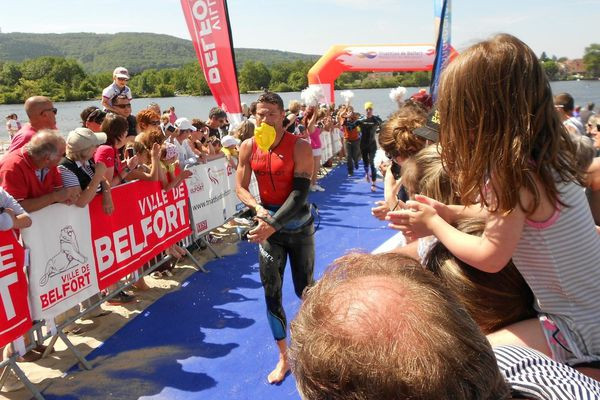 Le triathlon toujours un spectacle impressionnant pour le public
