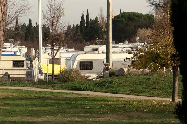 80 à 90 caravanes ont élu domicile illégalement à Saleilles.