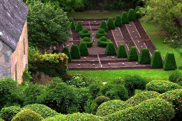 Le Prieuré de Vaubouin, à Beaumont-sur-Dême dans la Sarthe, Prix de l'Art du Jardin, décerné par la fondation Signature