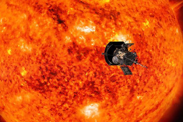 Une modélisation 3D de la sonde Parker Solar Probe, à proximité du soleil.