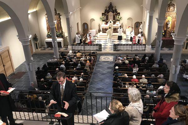 Messe du 8 décembre 2019, inauguration d'une église pour le fraternité Saint-Pie X à Nantes