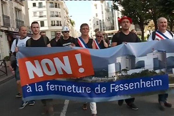 Manifestation de salariés de la centrale de Fessenheim devant le siège du CCE, à Levallois-Perret, le 13 septembre 2016