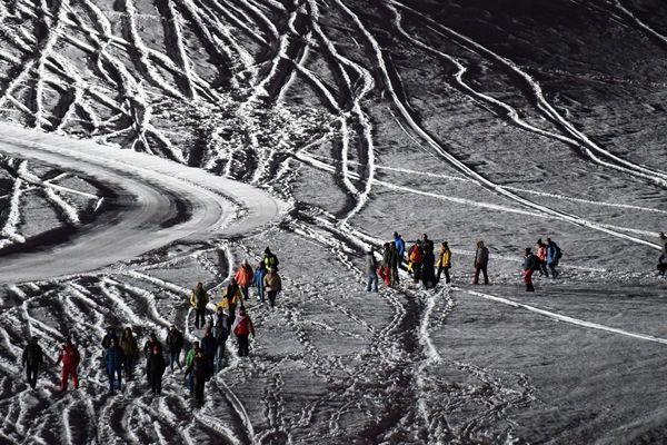 Mars 2019. Des militants organisent une maraude géante à Montgenevre (Hautes-Alpes), pour dénoncer les mesures de répression qui visent les associations d'aides aux migrants