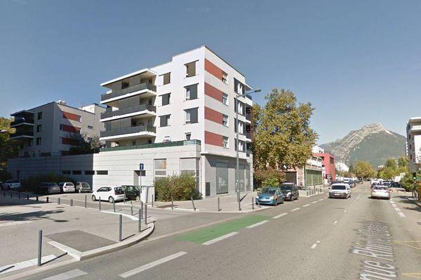 La fillette a été renversée à hauteur du 70 avenue Rhin et Danube à Grenoble