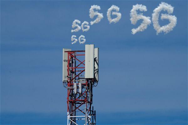C'est parti pour le déploiement de la 5G en France. Mais priorité aux grandes agglomérations où la 4G sature