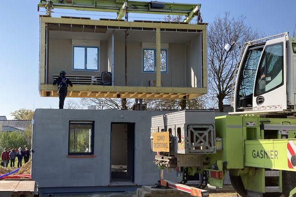 Une maison modulaire comme celle-ci est construite à 90% en usine, pendant deux mois.