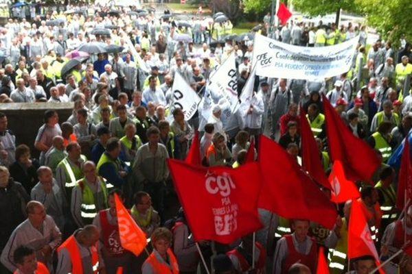 Mille salariés de PSA La Janais ont débrayé ce mercredi midi