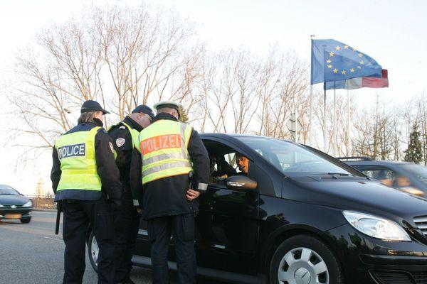 Contrôles sur le pont de l'Europe entre Strasbourg et Kehl