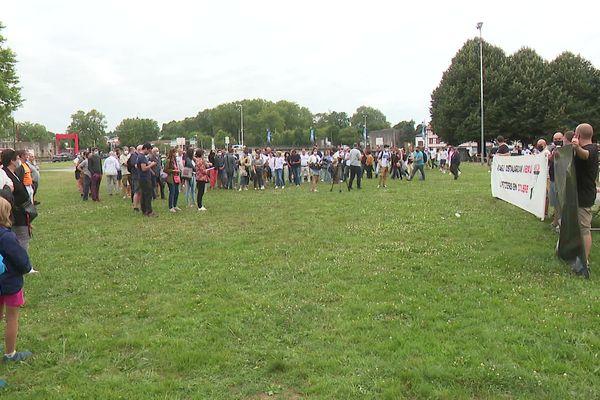 200 à 250 commerçants et riverains du Petit Bayonne ont manifesté contre la recrudescence des agressions dans leur quartier.