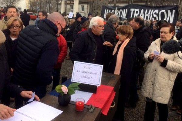 Les pro-aéroport manifestent à Bouguenais le 10 février 2018.