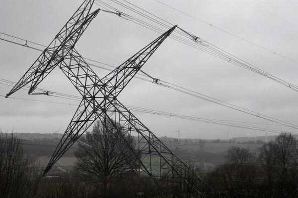 la chute d'un pylône d'une ligne à très haute tension (THT) est -elle due à un acte malveillant ?