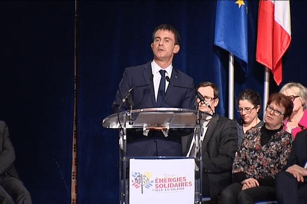 Manuel Valls à Betton (Ille-et-Vilaine) lors de la campagne des élections départementales - 27/02/2015