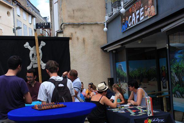 El Capitan café est un commerce vide, aménagé en espace de jeu par Gigamic lors du Flip.