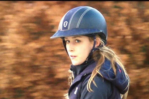La jeune cavalière Ilona Mezzadri participe au Longines Master de Paris ce week-end