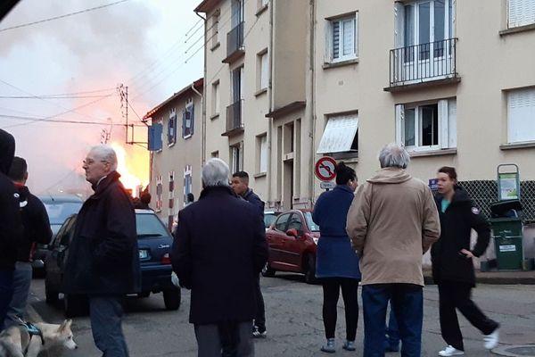 Maison en feu, quartier Marceau, à Limoges