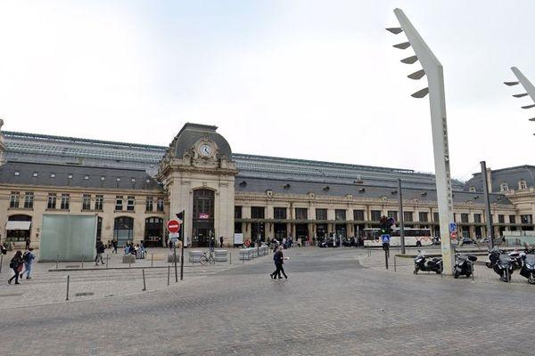 Le parvis de la gare Saint-Jean, à Bordeaux.