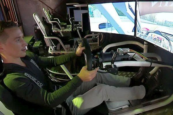 Le Crès (Hérault) -  des sensations fortes avec un simulateur pro de course auto - octobre 2017.