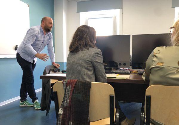Les étudiants se réunissent à l'université de Corse deux fois par mois.
