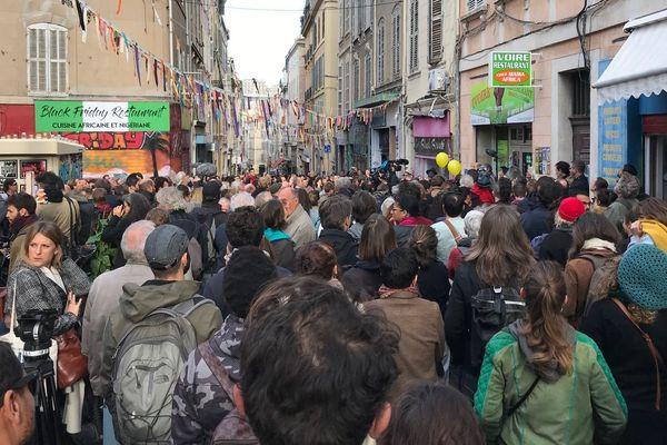 Entre 500 et 1000 personnes sont venus rendre hommage aux huit victimes des effondrements des deux immeubles de la rue d'Aubagne.