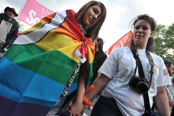 Photo d'illustration. La marche des fiertés à Tours le 25 mai 2013.