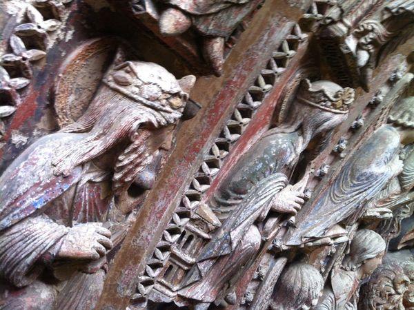 La couleur des sculptures de la cathédrale Saint-Maurice;
