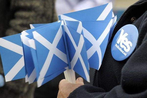 Un partisan de l'indépendance affiche sa position en Ecosse