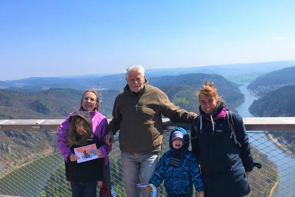 Heidi, Karl, Ben, Amy et Katrin sont, eux, venus de Berlin pour des vacances en Sarre qu'ils ne regrettent pas.