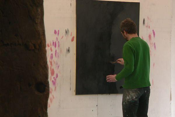 David Malek dans son atelier à Poitiers.