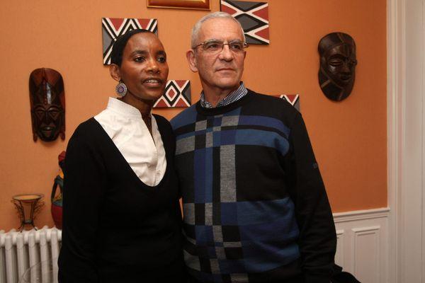 Le couple Alain et Dafroza Gauthier, à Reims, se battent pour que les génocidaires rwandais soient jugés.