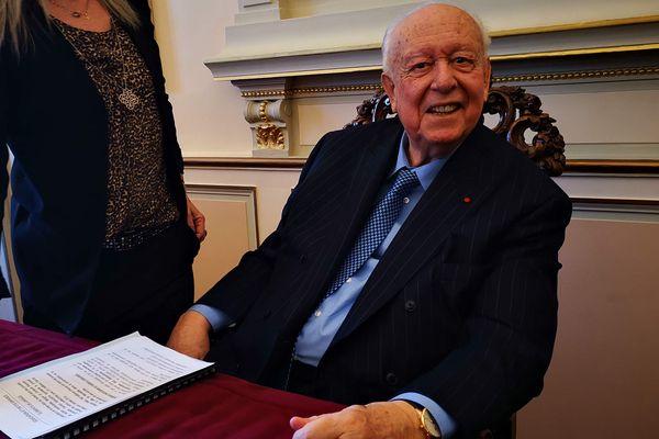 Le Maire de Marseille assure qu'il ira jusqu'au bout de son mandat à la Mairie de Marseille.