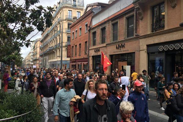 Beaucoup de monde dans les rues de Toulouse ce mercerdi contre le pass sanitaire.