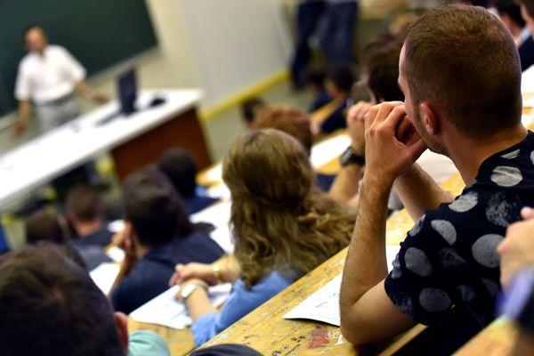 Les bacheliers ont jusqu'au 27 août pour trouver une place en études supérieures