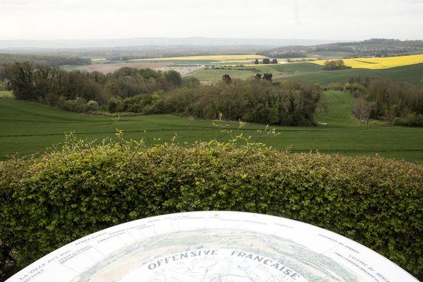 Vue sur les paysages du Chemin des Dames à Cerny-en-Loannois