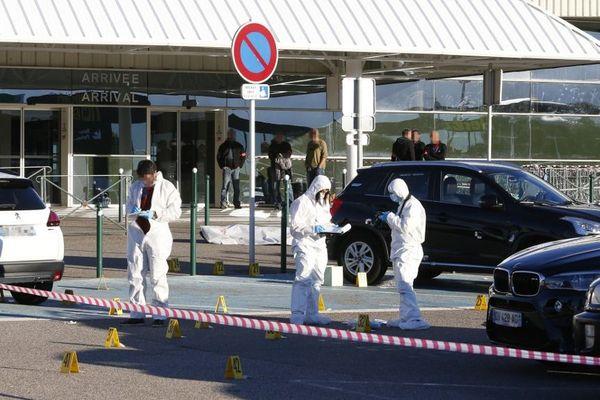 Antoine Quilichini et Jean-Luc Codaccioni, deux figures du grand banditisme corse, tombent dans une fusillade à l'aéroport de Bastia-Poretta en 2017.