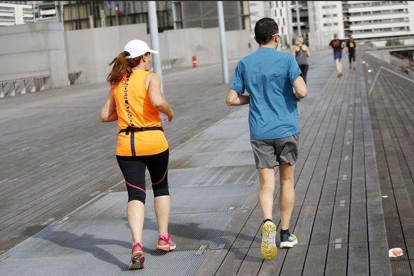 Pour le jogging quotidien, mieux vaut préférer les heures les moins chaudes et des parcours ombragés